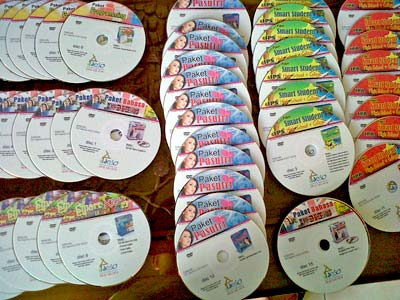 Semua CD/DVD Berlabel Color
